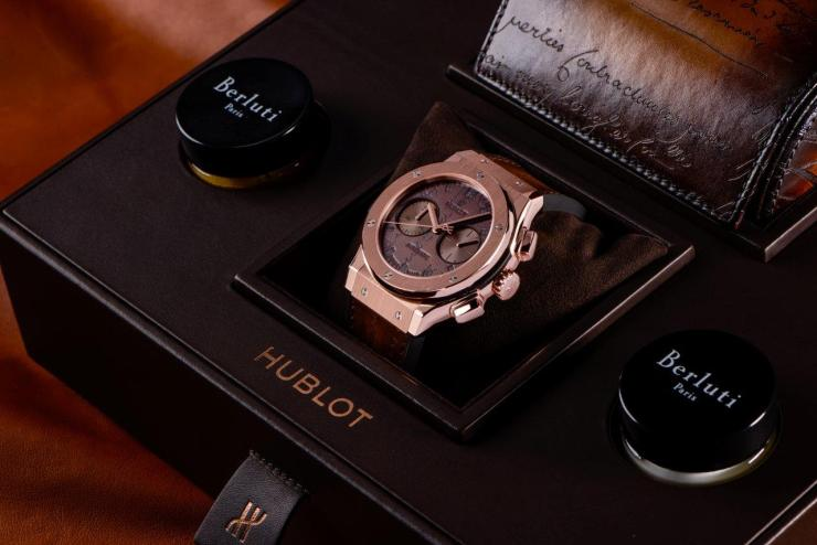 classic-fusion-chronograph-berluti-king-gold-in-bespoke-watch-box
